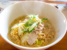 thairamen_idles_seafood.jpg