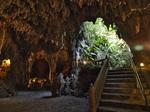 06ent3_g_t_hutenma_cave.jpg