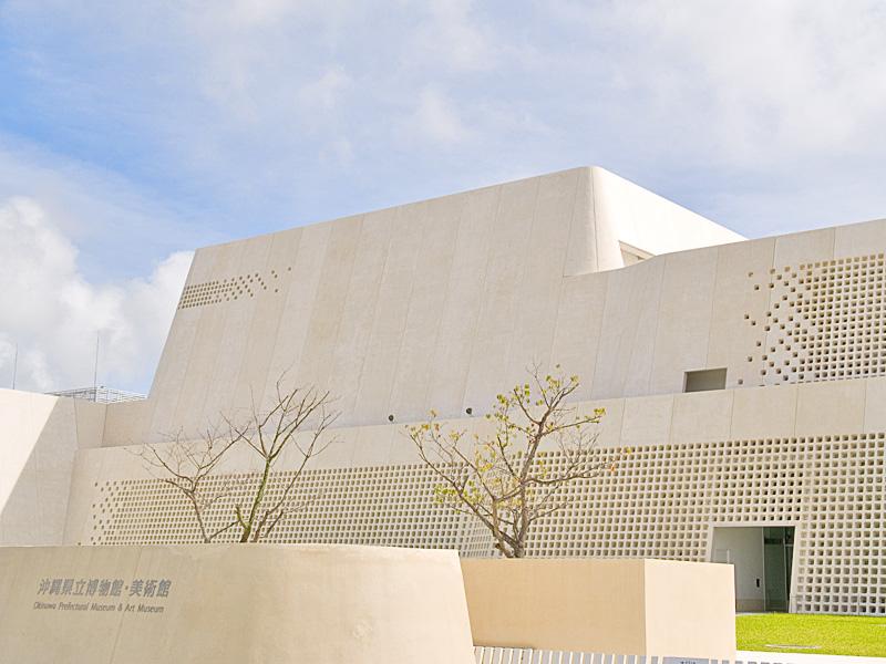 museum06naname_g.jpg