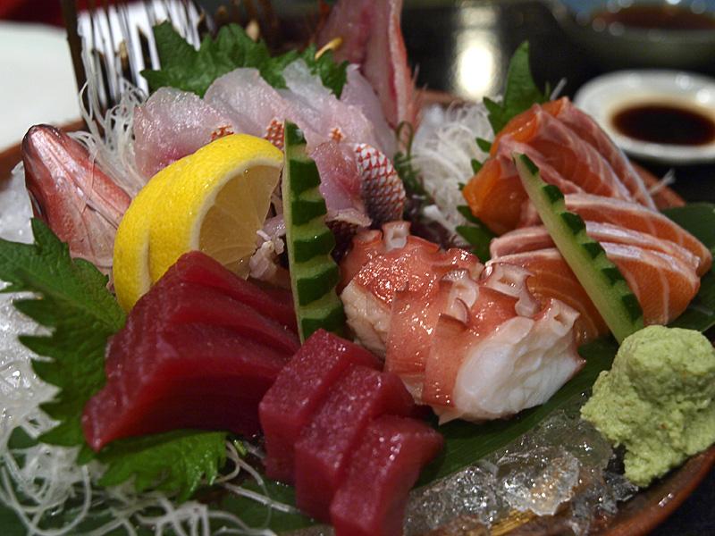 sashimi_hananoya081206.jpg