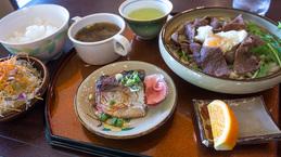 sukiyakiudon_naname_oic130919.jpg
