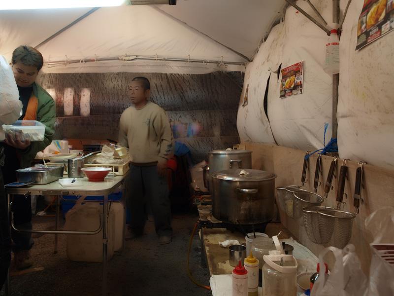 tent_in_akamichi_h.jpg