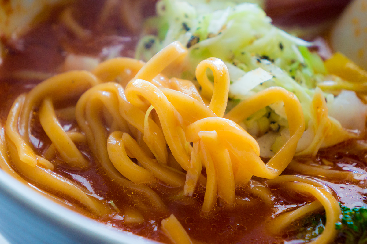 tomatovegisoba_noodle_stripenoodle.jpg