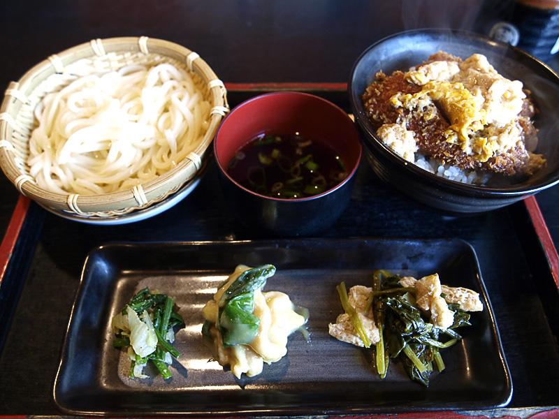 udon_katsu_zen_chirimentei.jpg